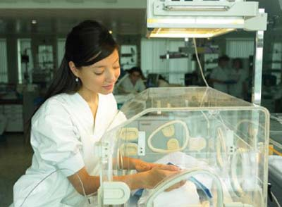 http://dieuduong.com.vn/images/news/26420092216137065d0cham-soc-tre-so-sinh-vang-da.jpg