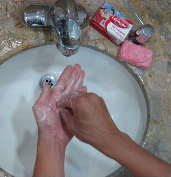 Rửa tay với xà phòng để phòng ngừa bệnh dịch tả