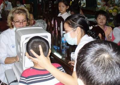 Cải thiện và phòng tránh tật khúc xạ ở trẻ - Tin180.com (Ảnh 1)