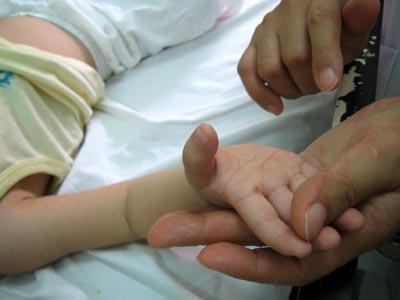 94 trẻ Trung Quốc chết vì bệnh chân tay miệng