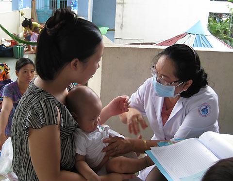 Nhiều trẻ em nhập viện vì mắc lại bệnh tay chân miệng