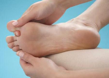 Massage đôi chân bà bầu - Tin180.com (Ảnh 2)