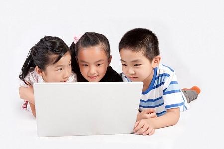 Khuyến khích bé học cái mới