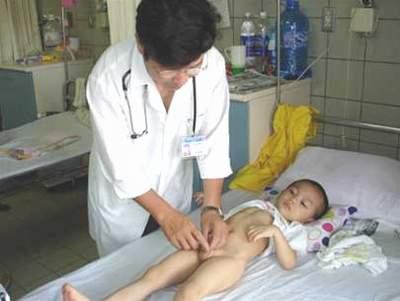 Nhiễm trùng đường tiểu ở trẻ: Điều trị sớm tránh gây hại thận