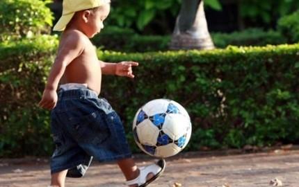 Tập cho trẻ vận động