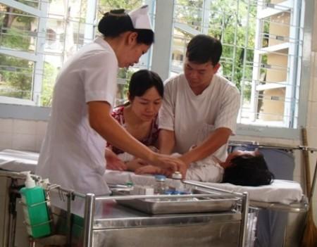 Sơ cứu đúng cách là việc làm đặc biệt quan trọng cho bé trước khi đến bệnh viện