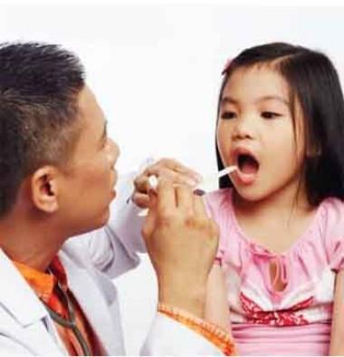 Trẻ hay bị tái phát viêm họng dễ có biến chứng nguy hiểm