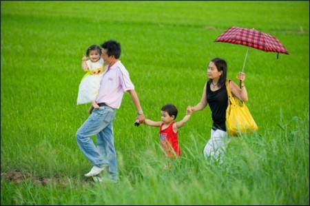 Trẻ luôn cần một mái ấm gia đình