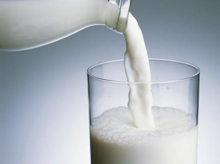 Sữa tươi có nguyên chất 100%?