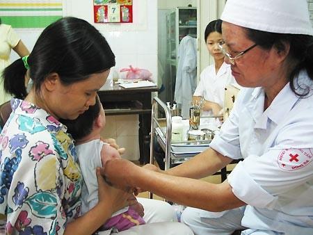 Tiêm chủng là biện pháp hữu hiệu nhất để bảo vệ sức khỏe trẻ em