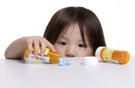 Phải hết sức cẩn thận khi cho trẻ dùng thuốc kháng sinh