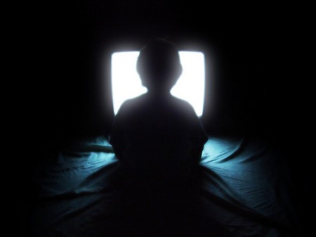 tre-xem-tv-07