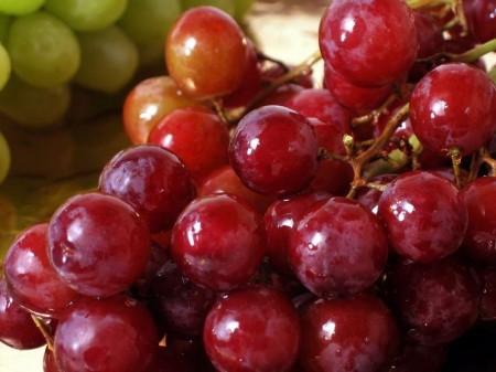Nho đỏ là một trong số những loại thực phẩm rất tốt cho gan