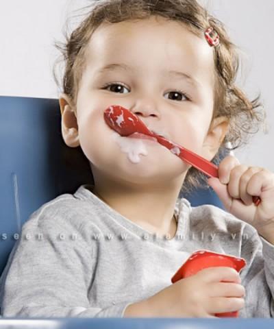 Sữa chua rất tốt cho bé yêu