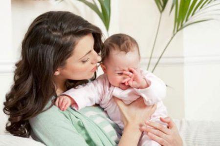 Tiếng khóc của trẻ sơ sinh mang đặc trưng ngôn ngữ của bố mẹ