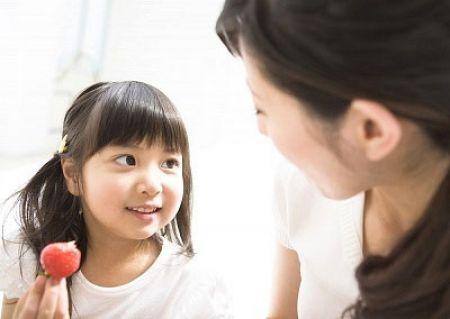Giao tiếp giúp trẻ giảm nói lắp