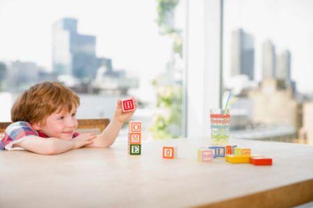 Trẻ có thể nhận biết chữ cái từ rất sớm