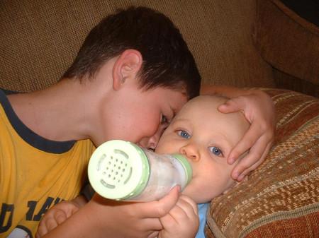 Bé trai lớn và em trai thường có nhiều xung đột