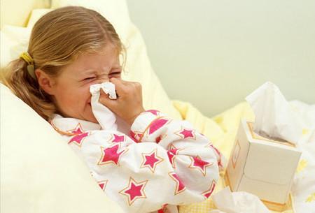 Trẻ bị ốm thường mệt mỏi và biếng ăn.