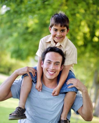Nếu trẻ không gần gũi cha, có lẽ nó đã bị làm tổn thương