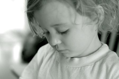Đôi khi cha mẹ vô tình nói những lời làm tổn thương con trẻ.