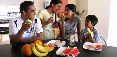 Dinh dưỡng cho con và 5 sai lầm của cha mẹ
