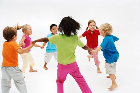 Rèn luyện khả năng thích nghi tốt ở trẻ cũng là giúp trẻ phát triển lành mạnh.