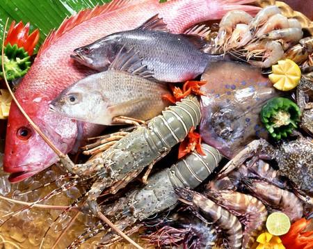 Các món tanh như tôm, cá, cua... cung cấp nhiều chất đạm, chất béo, sắt, kẽm, i-ốt...