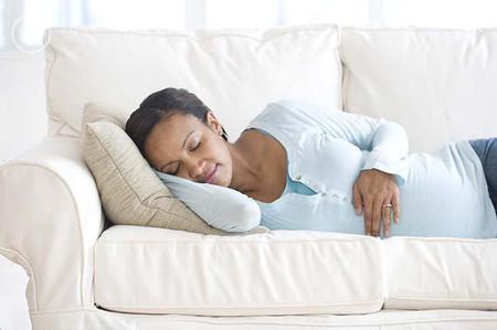 Thai phụ rất cần có giấc ngủ trưa để nghỉ ngơi