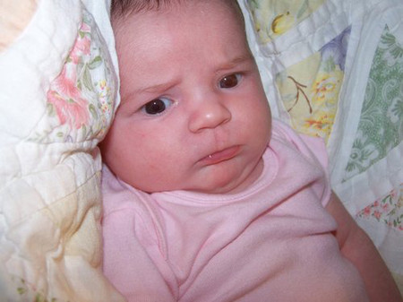 Sự phát triển của bé 2 tuần tuổi