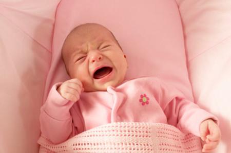 Một số trẻ sơ sinh khóc dạ đề làm cả nhà lo lắng, đảo lộn