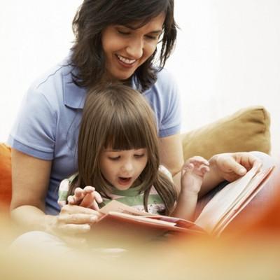 Cha mẹ có thể giúp con thành công trong tương lai bằng cách tạo cho con sự ham mê đọc sách