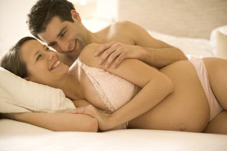 Sinh non là vấn đề đáng lo ngại của thai phụ sau khi oral sex.