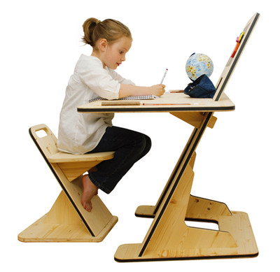 Trẻ có ý thức tốt trong học tập, cha mẹ yên lòng