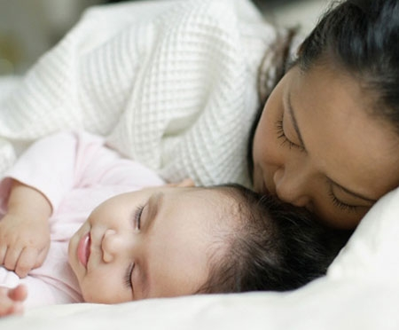 Nên cho trẻ ngủ nhiều hơn trong mùa lạnh