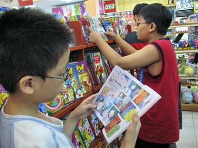 Muốn con ham đọc nhưng đọc gì cũng là vấn đề làm đau đầu cha mẹ!