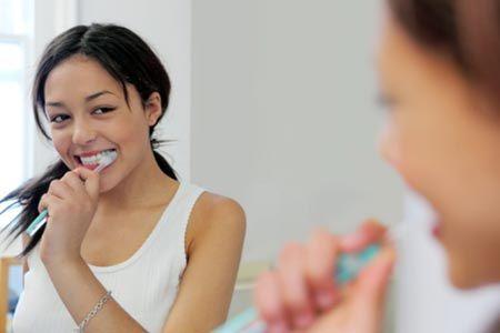 Cần giữ răng miệng sạch sẽ khi mang thai