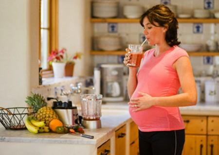 Khi mang thai, chị em cần có một chế độ dinh dưỡng khoa học