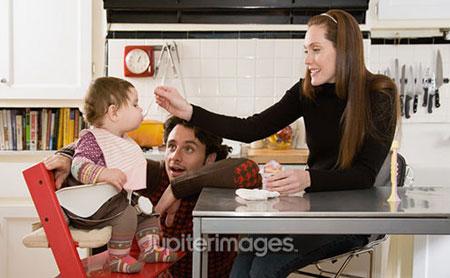 Chỉ nên cho trẻ ăn phomai khi trẻ trên 6 tháng tuổi.