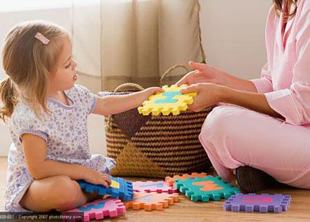 Bốn tuổi là thời điểm thích hợp để trẻ làm quen với chữ cái