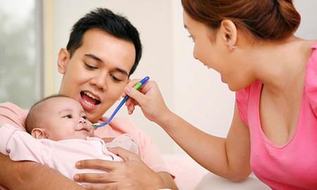 Thời điểm cho trẻ ăn dặm lý tưởng là từ 5-6 tháng tuổi.