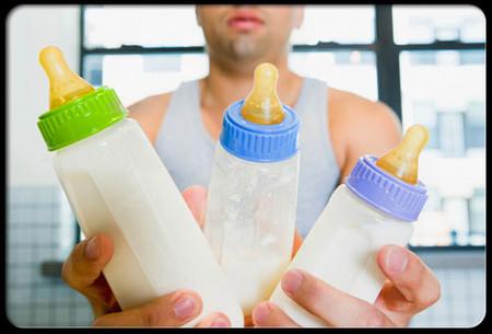 Không nên pha nhiều sữa để cho bé uống dần.