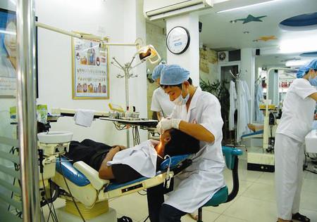 Nên lấy cao răng theo định kỳ 4 đến 6 tháng 1 lần để đảm bảo sức khỏe răng miệng