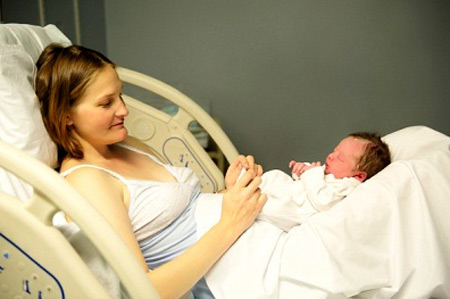Sau khi sinh thường, tầng sinh môn bị rạch trở nên rất nhạy cảm trong vài ngày hoặc vài tuần đầu.