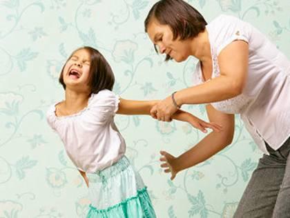 Cần có sự nhất quán trong cách hành xử, giáo dục con.