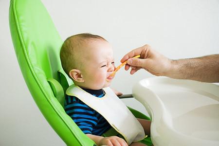 Một chế độ ăn không hợp lý có thể khiến bé bị nhẹ cân