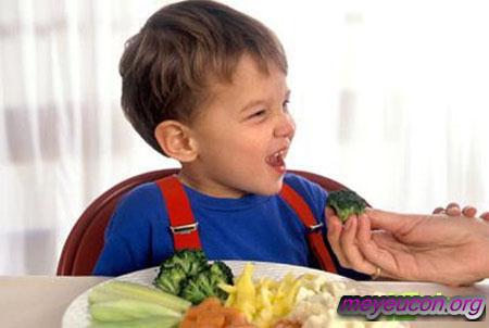 Những món rau với những cái tên thật hấp dẫn sẽ có tác dụng kích thích sự hứng thú của trẻ