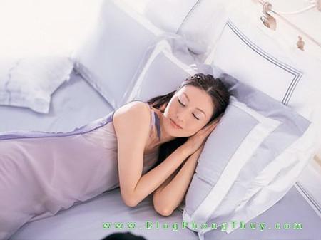 Cách ngủ đúng và trạng thái giấc ngủ tốt liên quan chặt chẽ tới sức khỏe con người.