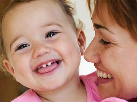 Trẻ mọc 2 răng cửa thường là trong giai đoạn từ 4 đến 8 tháng.
