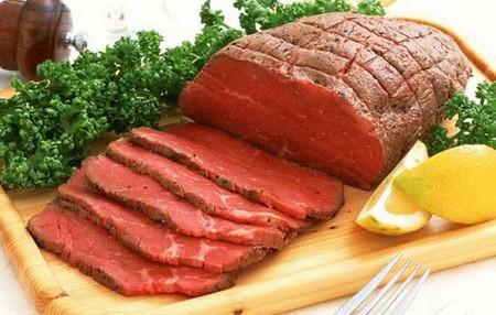 Vitamin B12 có trong thịt bò rất cần thiết trong việc mang oxy đến các tế bào mô cơ.